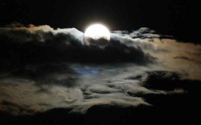 Lua Cheia em Escorpião – Dar luz à nossa Sombra!